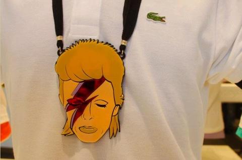 queria muito este colar do Bowie!